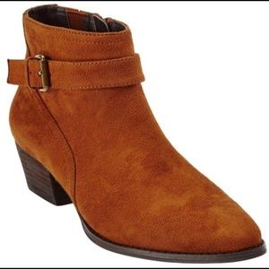 Like New Comfortview Ankle Bootie